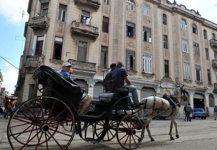 Cuba recibió el pasado año la visita de dos millones 851 mil turistas extranjeros. (Archivo/EFE)