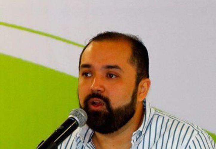Francisco Lezama Pacheco, El titular del IYEM, garantiza el cierre con buenos números este semestre del año (Milenio Novedades).