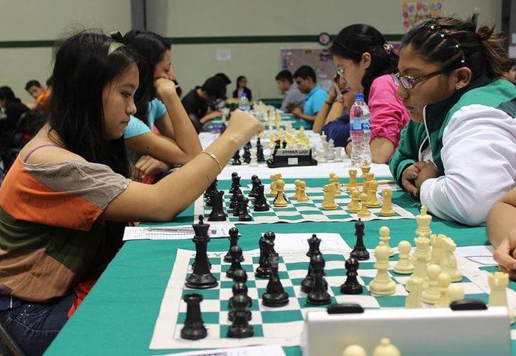 En la rama femenil la jovencitas mostraron un gran nivel en el selectivo estatal de ajedrez. (Milenio Novedades)