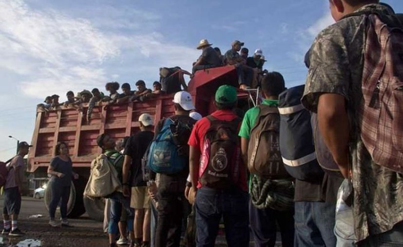 Una nueva caravana de migrantes llegó al sur del país.  (Excélsior)