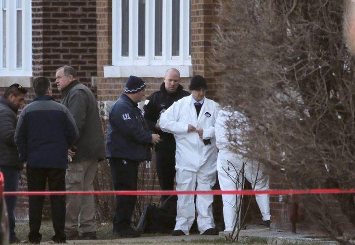 Entre los seis cuerpos fue localizado el de un menor de aproximadamente 12 años de edad. (AP)