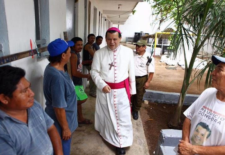 El arzobispo de Yucatán, Gustavo Rodríguez, recordó que quienes no puedan acudir a la Misa de Gallo de este jueves 24, pueden acudir el día 25. (SIPSE)
