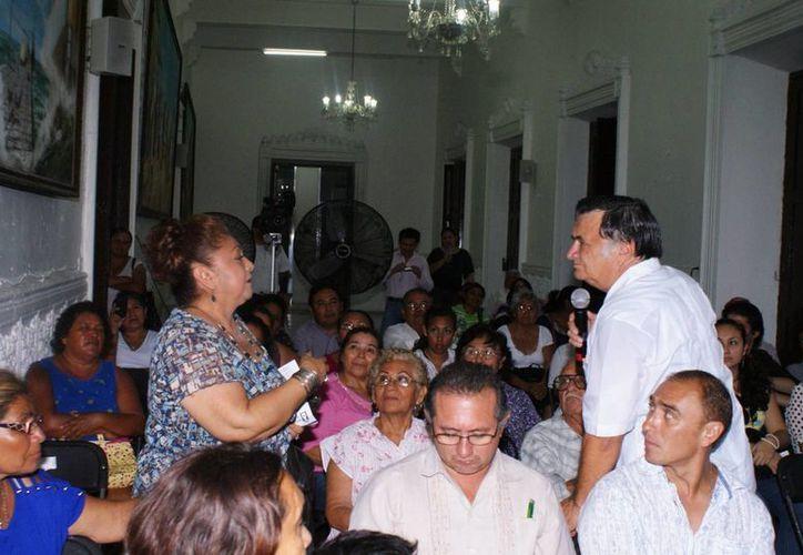Aspecto de la reunión en Progreso para informar del programa 'Heredar'. (Manuel Pool/SIPSE)