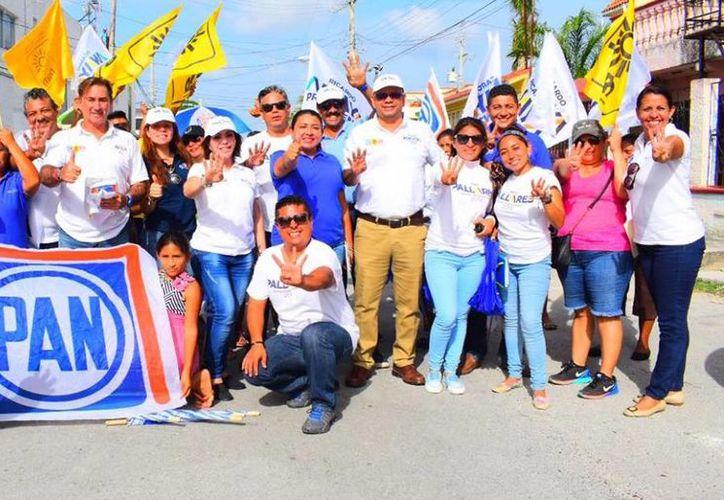 """Pide Gaby Pallares a la gente que se dé la oportunidad a los candidatos de la coalición """"Por Quintana Roo al Frente"""". (Redacción/SIPSE)"""