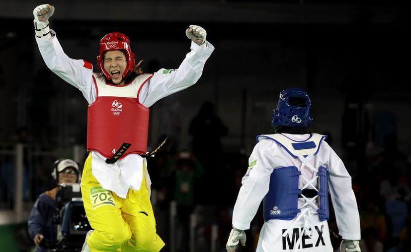 La china Shuyin Zheng hizo un estupendo combate para vencer a la mexicana y llevarse el oro.  (AP /Andrew Medichini)