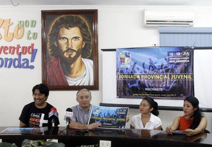 Imagen de la conferencia de prensa del personal de Pastoral Juvenil que dio a conocer el evento. (Milenio Novedades)