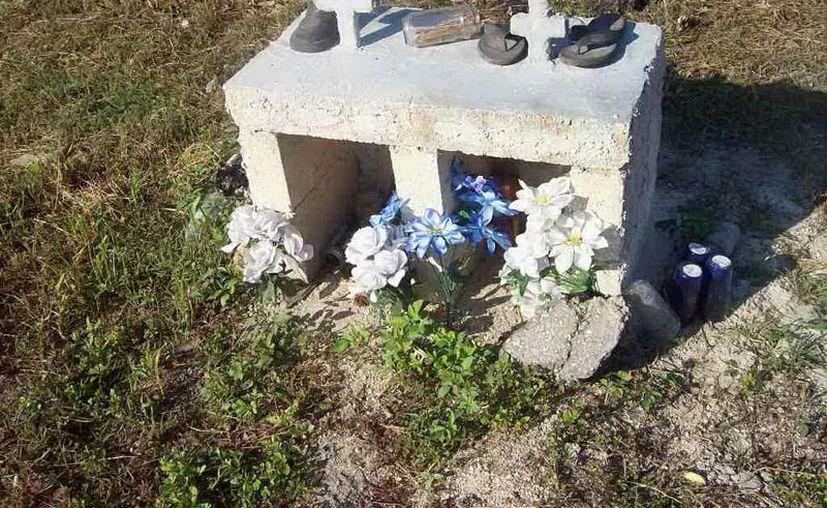 Este es uno de los nichos referentes a uno de los menores fallecidos en un atropellamiento en el Periférico en el año 2006. (Milenio Novedades)