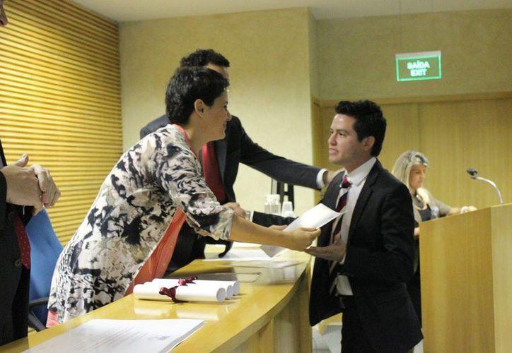El regidor priista Luis Castillo López durante su participación en actividades de la Fundación Botín, gracias a la beca que obtuvo en octubre del año pasado. (Cortesía)