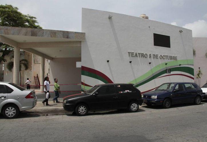 El 27 de noviembre de 2013 iniciaron los trabajos de remodelación del teatro ubicado en la Supermanzana 23. (Redacción/SIPSE)