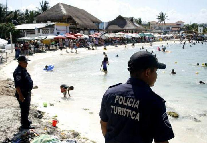 Los policías se ubicarán en puntos con gran flujo turístico en el Estado. (Archivo/SIPSE)