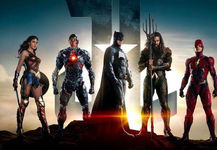 Los estudios Warner Bros se asociaron con una agencia de arte para crear un diseño especial de la esperada película de Liga de la Justicia. (Warner Bros).