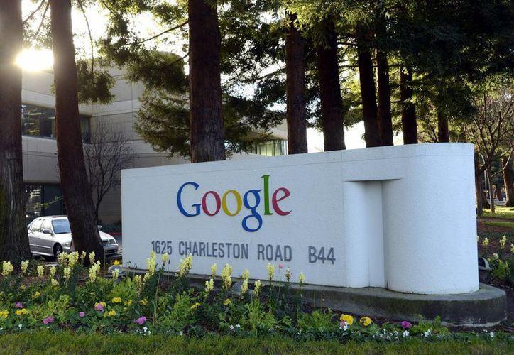 Google fusionó cerca de 60 reglas de uso y reagrupó información procedente de sus distintos servicios, lo que ha molestado a varios países europeos. En la imagen, las oficinas de la compañía en Mountain View, EU. (EFE/Archivo)