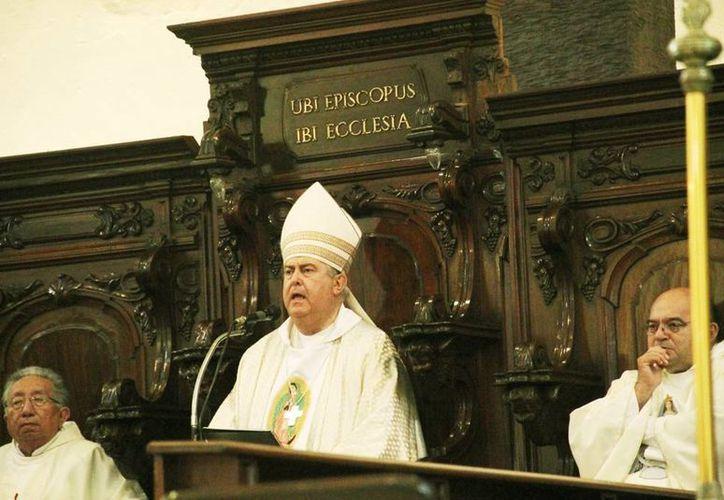 El Arzobispo de Yucatán felicitó a todos los padres en su día. (Milenio Novedades)