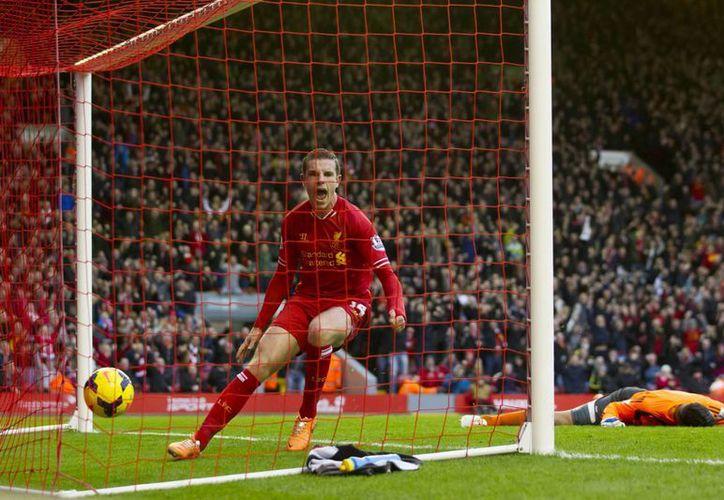 Jordan Henderson anotó el gol de la victoria para el Liverpool en el minuto 74. (Agencias)