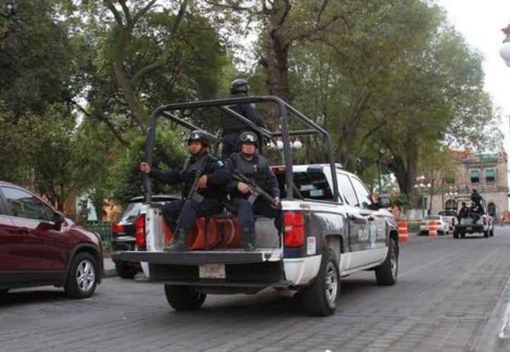 Policías agredieron a un campesino de nombre José Luis Galindo, desatando con esto la 'fueria' de los vecinos. (Vanguardia MX)