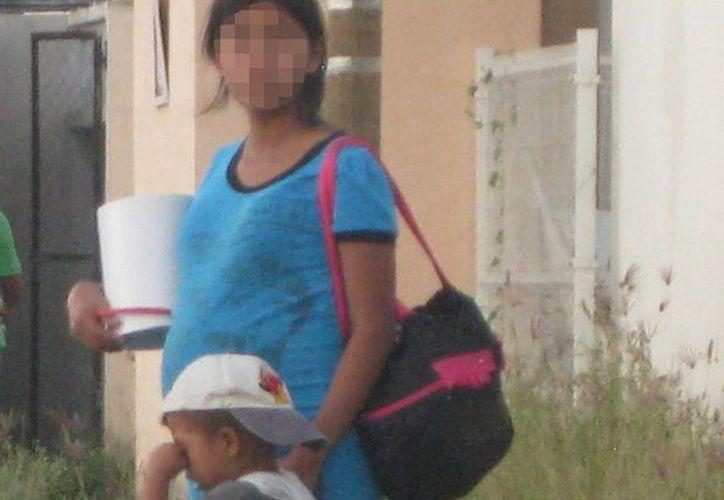 El año pasado el hospital de Bacalar atendió a 40 jóvenes embarazadas. (Javier Ortiz/SIPSE)