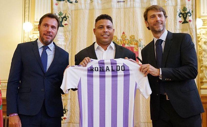 Ronaldo se comprometió a trabajar para mejorar y hacer grande al equipo. (Twitter)