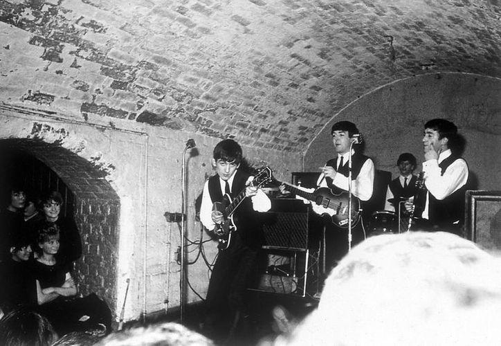 En 1961 The Beatles debutaron públicamente en el club Caverna de Liverpool. (Notimex/Foto de archivo)