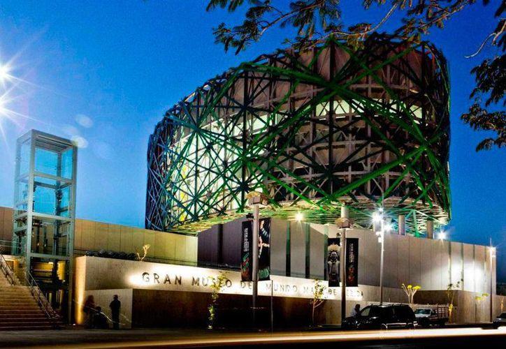 El Museo del Mundo Maya abrirá sus puertas en horario nocturno para dar entrada a espectáculos como funciones de teatro, espectáculos de luz y sonido y 'videomapping'. (SIPSE)