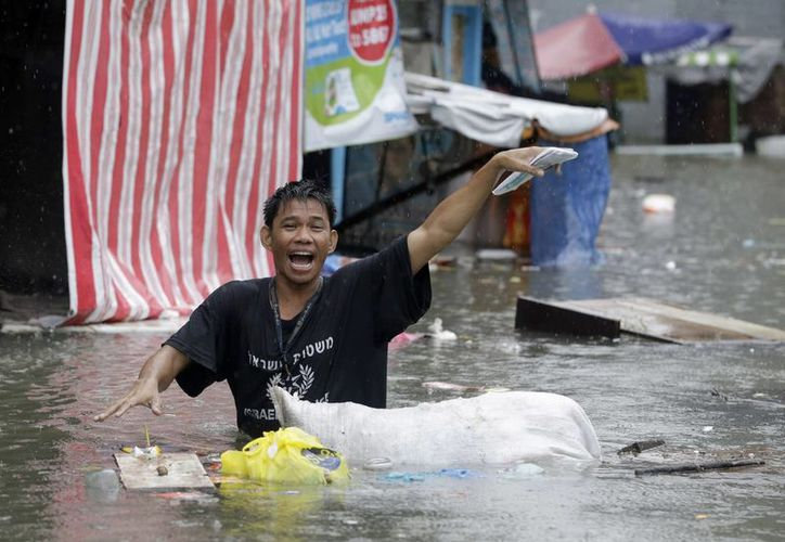 En el noroeste de Filipinas al menos 20 personas murieron y decenas más fueron reportadas desaparecidas. (Agencias)