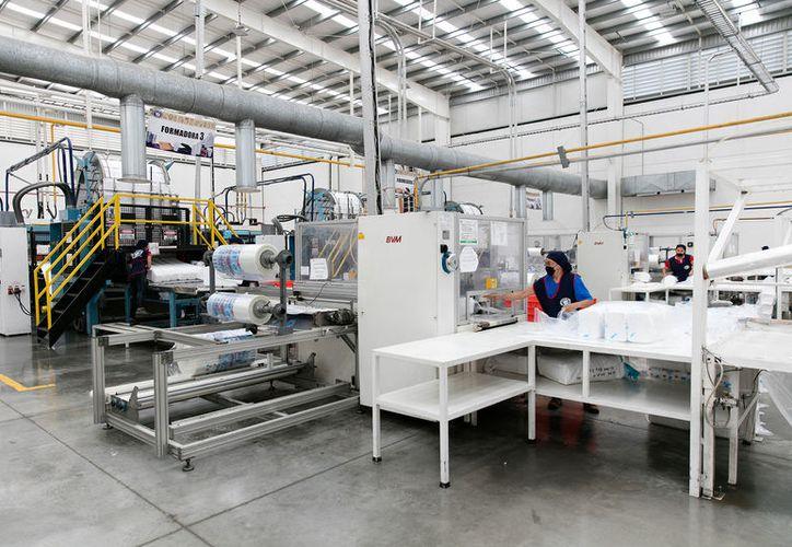 Según indica el IMEF, la reindustrialización del Estado empuja el crecimiento de la economía. (Milenio Novedades)