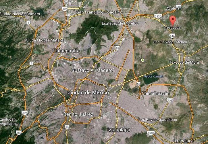 Un menor de ocho años quitó el freno y provocó que el camión se moviera hacia atrás y después hacia adelante en el accidente en Tezoyuca. (Google Maps)