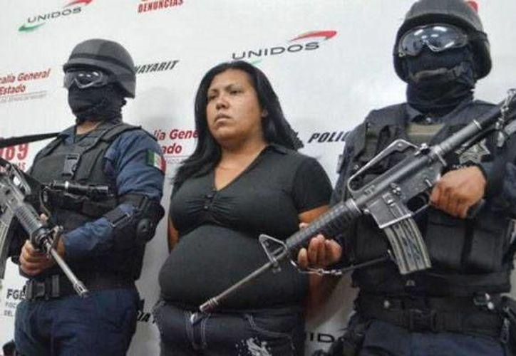 María Guadalupe Muñoz Rodríguez fue presentada por la Fiscalía de Nayarit como la autora del asesinato de Nadia Catalina Arvizu Ávila y de su bebé.