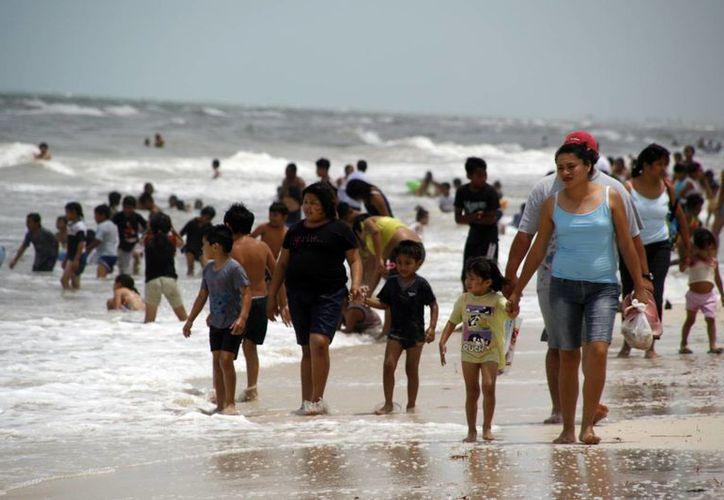 Autoridades pondrán en marcha el programa 'Playa en Regla. Verano 2015' para prevenir prácticas irregulares en estos sitios de veraneo. Imagen de contexto. (Milenio Novedades)