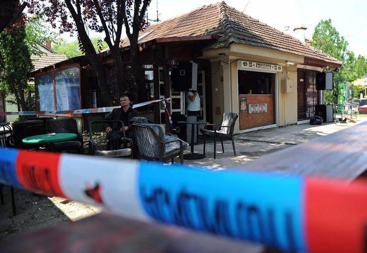 Cinta policial en la entrada del lugar donde ocurrió el ataque. (EFE)