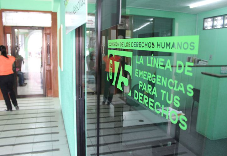 Empleados afirman que nos les quieren devolver las cartas de renuncia. (Joel Zamora/SIPSE)