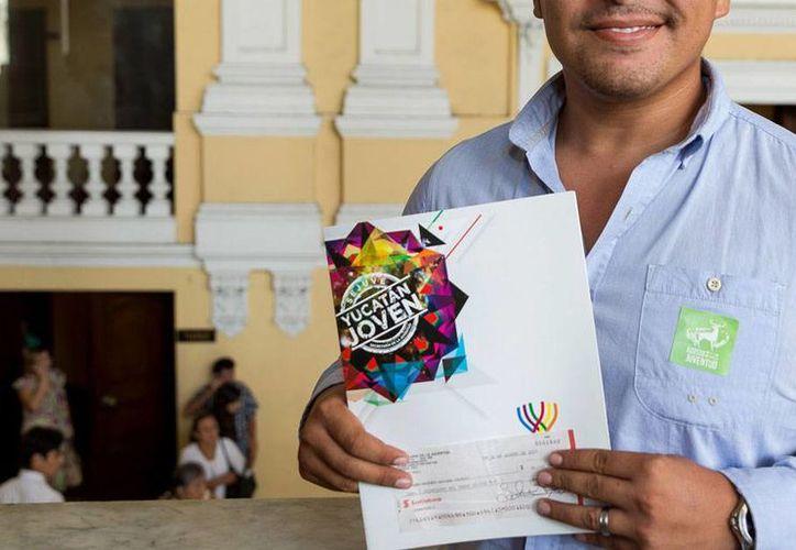 Jóvenes emprendedores de Yucatán recibieron apoyos oficiales para sacar adelante su modelo de negocio. (Cortesía)