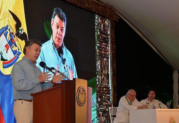 El presidente Santos, que recién asumió su segundo mandato, advirtió a las FARC que la paciencia de los colombianos no es infinita. (Archivo/Notimex)