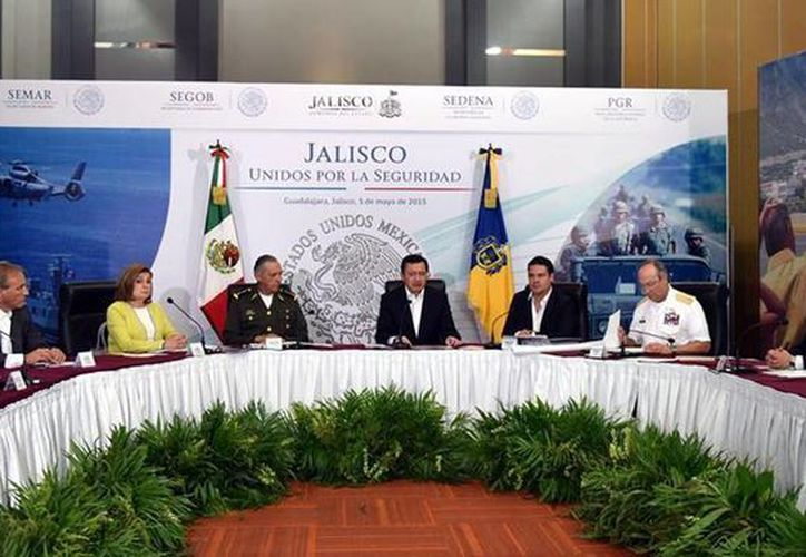 Osorio Chong anunció la puesta en marcha del Operativo Jalisco, cuyo objetivo es desarticular las células delincuenciales. (Facebook/Secretaría de Gobernación)