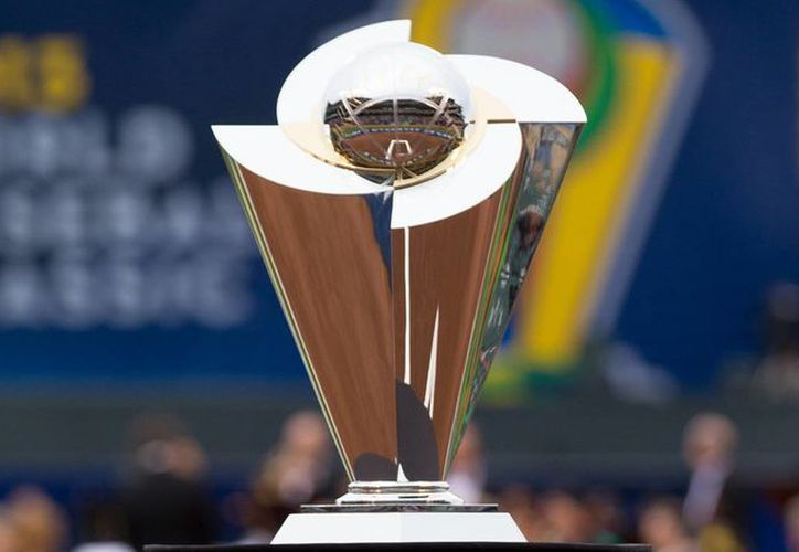 Vista del trofeo que se entrega al ganador del Clásico Mundial de Beisbol. (Foto tomada de mlb.com)