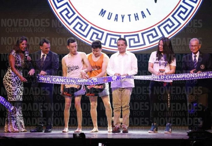 La inauguración oficial del campeonato fue en Arena Oasis. (Israel Leal/SIPSE)