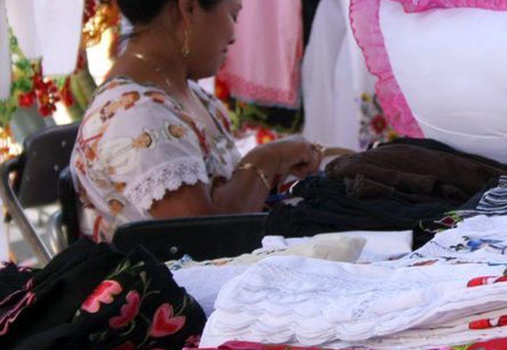 En las comunidades yucatecas hay manos hábiles deseosas de trabajar. (Milenio Novedades)