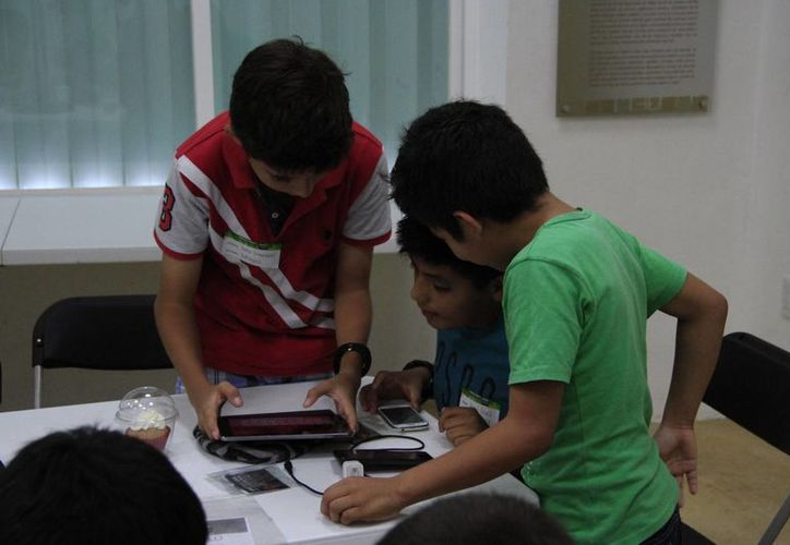 El objetivo del congreso es que los menores conozcan la experiencia de otros niños, y casos de éxito sobre la creatividad. (Tomás Álvarez/SIPSE)