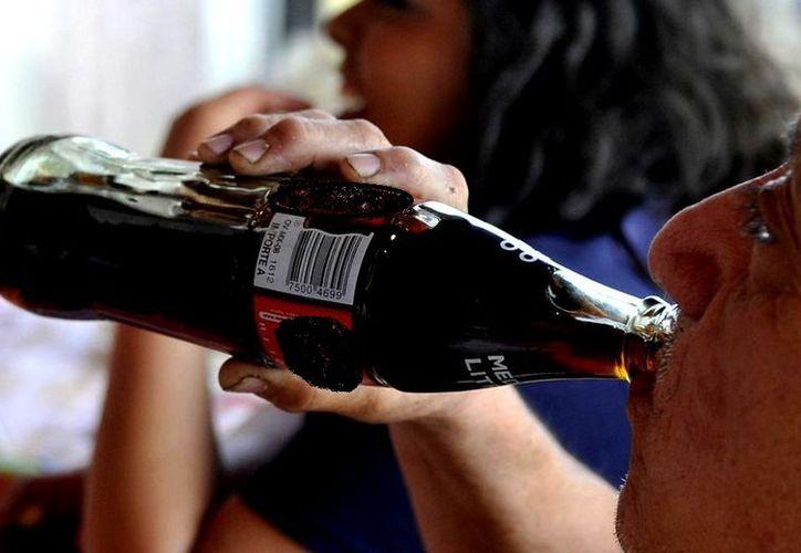 Las personas que toman más de dos bebidas azucaradas al día o más de tres refrescos gaseosos a la semana tienen un hipocampo contraído. (Vanguardia MX)