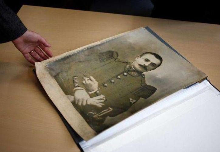 Fotografía de un soldado de la Primera Guerra Mundial en Lille, Francia, entregada a la Gran Colecta que realiza el país galo. (Agencias)