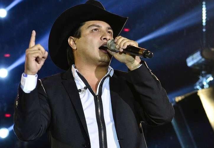 Julión Álvarez seguirá promocionando su nueva gira, por diferentes ciudades de la República de México. (Notimex)