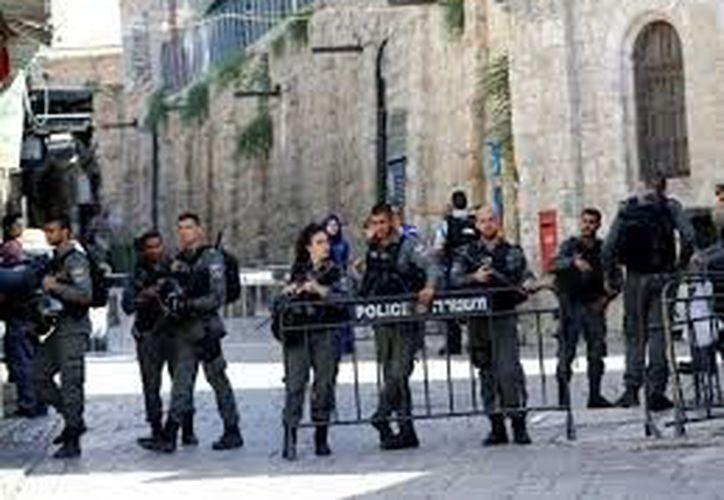 La Policía investiga, ahora como pudieron introducir armas en un lugar tan fuertemente vigilado. (Excelsior)