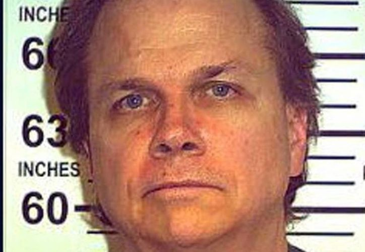 Mark David Chapman ha estado en prisión durante casi 38 años, desde el momento en que disparó cinco balas al ex Beatle, matándolo en New York. (Foto: Twitter)