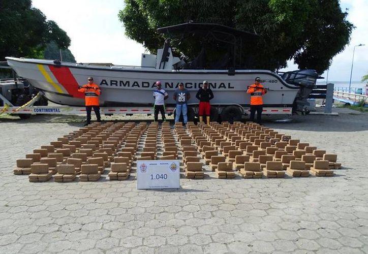 La droga incautada tiene un valor comercial de 34 millones de dólares. (@armadacolombia)