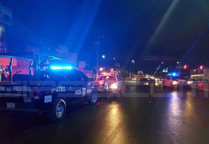 El hecho delitivo ocurrió en el cruce de las avenidas López Portillo y Tulum, en la Supermanzana 64. (Foto: Raymundo Gómez/SIPSE)