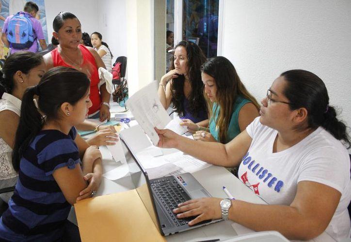 El sistema, para realizar los cambios escolares en la SEyC, estará abierto hasta las 23:59 horas del viernes. (Sergio Orozco/SIPSE)