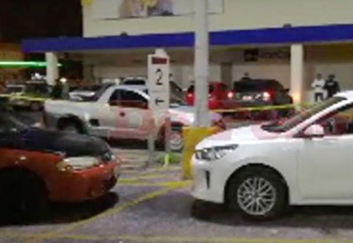 Terminan con la vida de una persona en un estacionamiento público. (Foto: SIPSE)