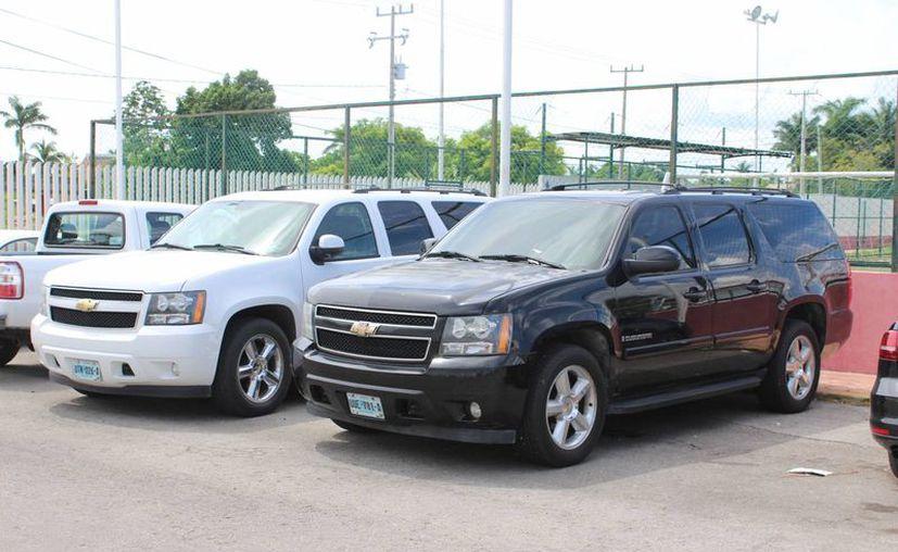 Seis vehículos de la Cojudeq fueron embargados debido a una deuda que la Comisión tenía con una empresa. (Miguel Maldonado/SIPSE)