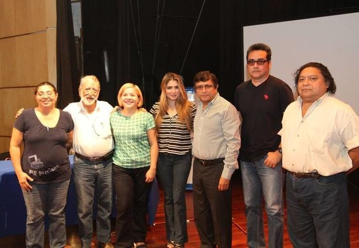 Escritores beneficiados del Fondo de Apoyo a la Producción Editorial de Mérida. (SIPSE)