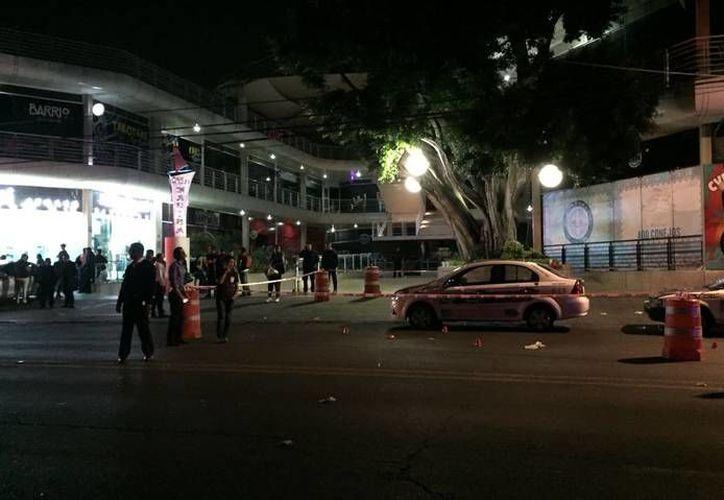 Varios sujetos armados dispararon con armas largas en Plaza Marina. (El Sol de Cuernavaca)