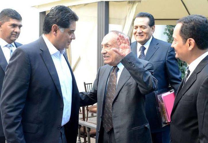 Juan Moisés Calleja, secretario general del IMSS, falleció a los 102 años de edad este sábado. (noticiasmvs.com)